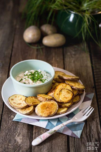 Knusprige Kartoffelscheiben mit Schnittlauch-Dip /// Crispy...