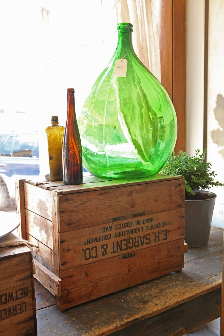 French LarkspurFrenchmans Wife, Display Inspiration, Bottles And, Decor Inspiration, Green Bottle, French Green, Display Ideas, French Larkspur, Antiques Decor