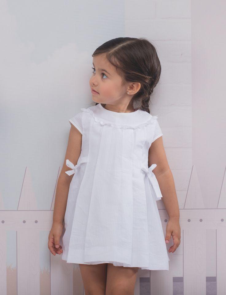 Laranjinha moda bebé y moda para niños pequeños. Colecciones completas y encantadoras realizadas en tejidos naturales. Os van a encantar, compra online.