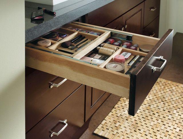 Traditional bathroom, cosmetics organizer-Comfortable home details