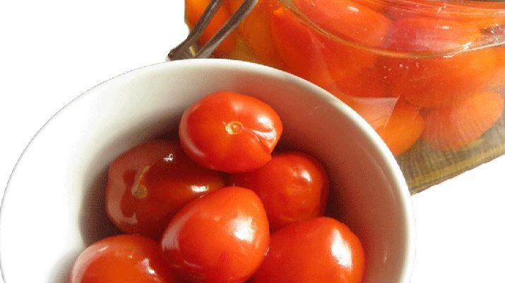 """Этот рецепт консервированных помидоров, я когда-то прочитала в маленьком журнальчике """"Рецепты на бис"""", был опубликован там как лучший рецепт в году"""