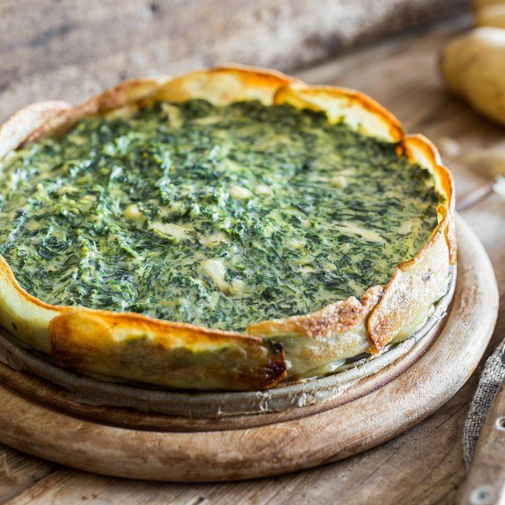Torte muss nicht immer süß sein. Herzhaft ist genauso gut. Erst recht, wenn ihr Boden aus Kartoffelscheiben und die Füllung aus Ricotta und Spinat besteht.