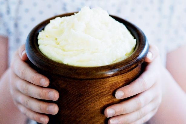 What's the secret to creamy mashed potato? Desiree potatoes with a soft flesh that makes them excellent for mashing.