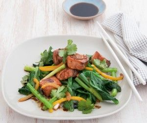 We're always looking for quick dinner ideas and this Michelle Bridges recipe for ginger salmon stir-fry with Chinese broccoli from her new book Get Real! is not only delicious but low in fat and calories. Winner!