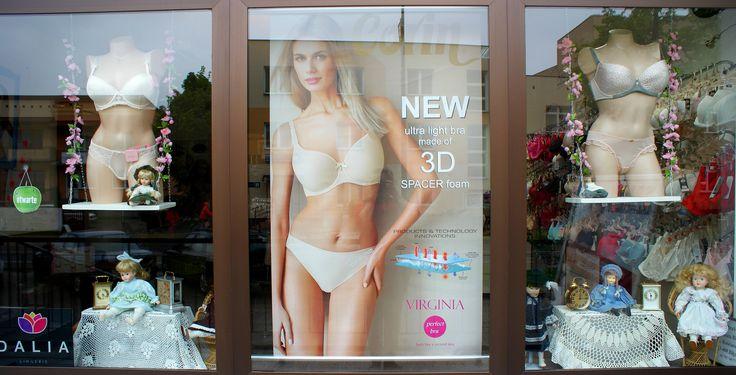 V.2015 shop vitrine visual merchandising lingerie spring dolls porcelain
