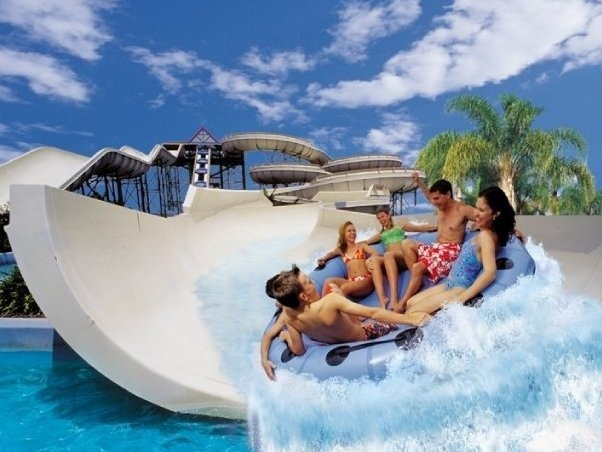 Wet'n'Wild Hawaii Water Park, Oahu - an alternative way to cool off if you need a break from salt water