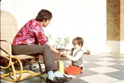 Paul McCartney and Julian Lennon around 1967/1968