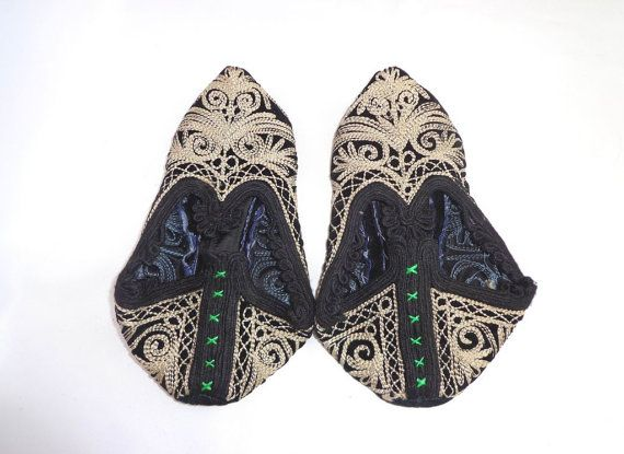 Vintage Bulgarian Handmade folk embroidery by oldarticlesbg, $39.00