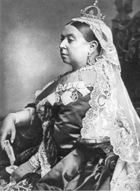 Королева Виктория в платье