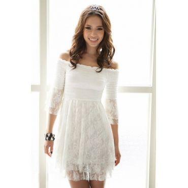 Robe blanche a la mode
