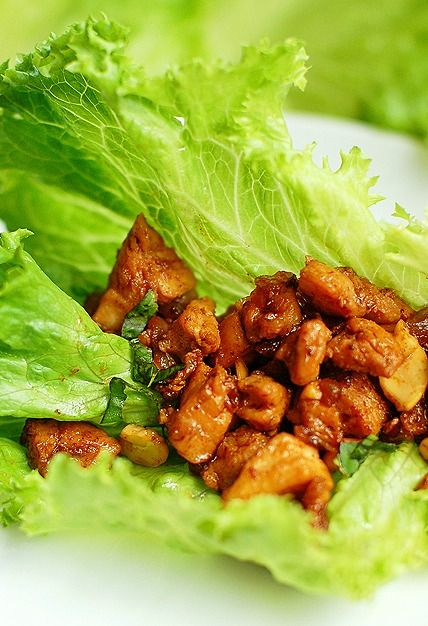Easy and light Chicken Cashew Lettuce Wraps.. Seems easy enough!! Going to have to try these :)