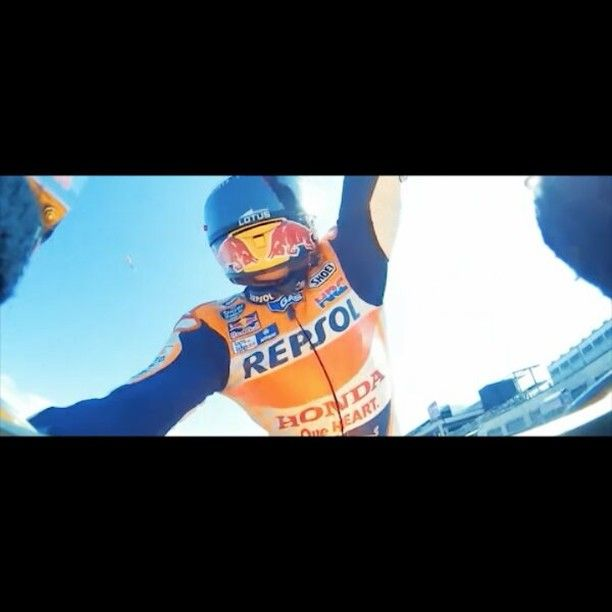 Think of a number!💭 #MM93 and Repsol, 2016 #MotoGP World Champions! 🏆🔝 #GiveMe5 #RepsolTeam