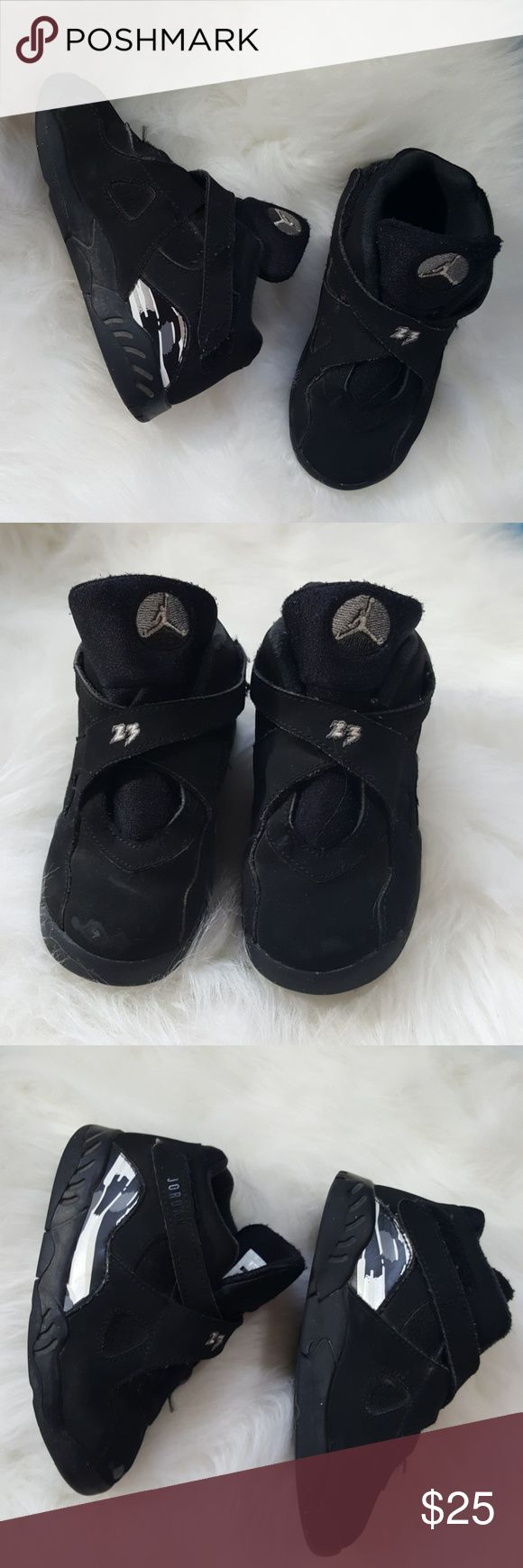 9c toddler jordans velcro Size 9C Jordans with velcro closure. Manufactured in 2015. Souls firmly attached for plenty of tread on the bottom from scuffing is pictured on the toes otherwise good condition Jordan Shoes Sneakers
