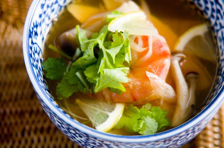 タイ料理のトムヤムクンをかんたんバージョンにアレンジ。エスニックスープ[エスニック料理/スープ]2003.03.12公開のレシピです。