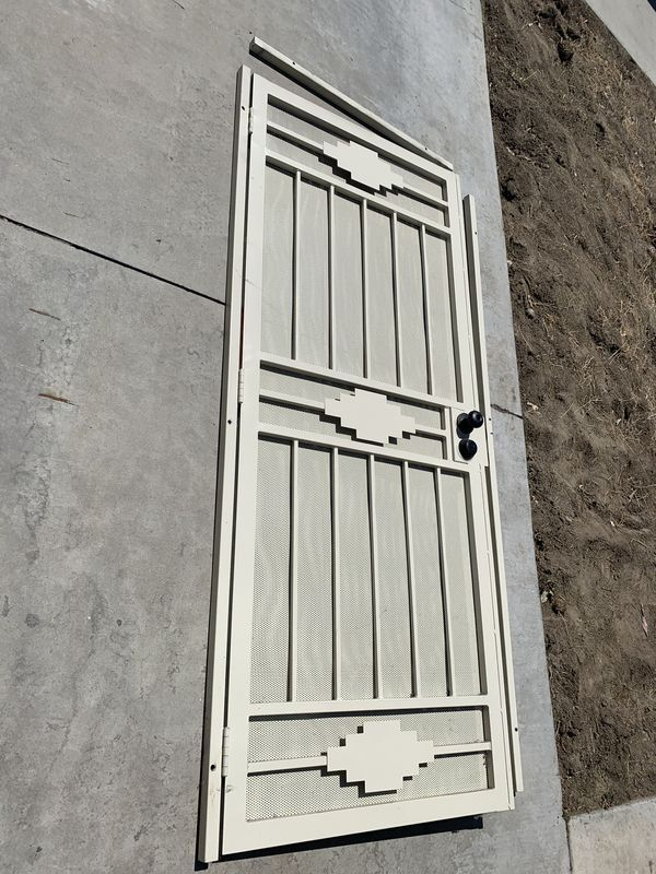 Metal Screen Door For Sale In Ontario Ca Offerup In 2020 Metal Screen Doors Screen Doors For Sale Metal Screen