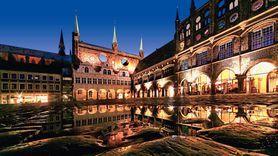 Hansestadt #Lübeck: schöne Architektur, spannende Geschichte und leckeres #Marzipan http://www.luebeck-tourismus.de/erkunden.html
