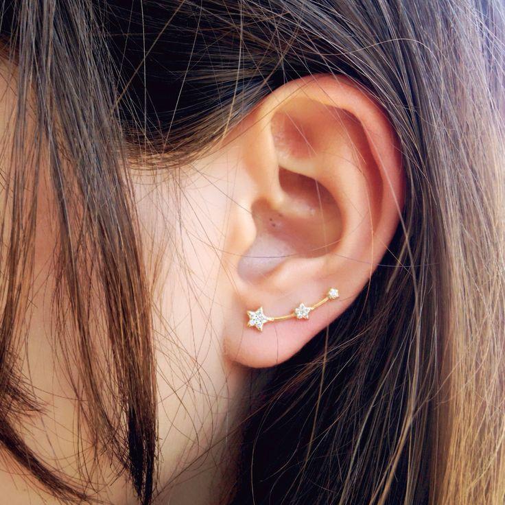 Un favorito personal de mi tienda de Etsy https://www.etsy.com/es/listing/525039717/gold-stars-ear-climber-stars-ear-cuff