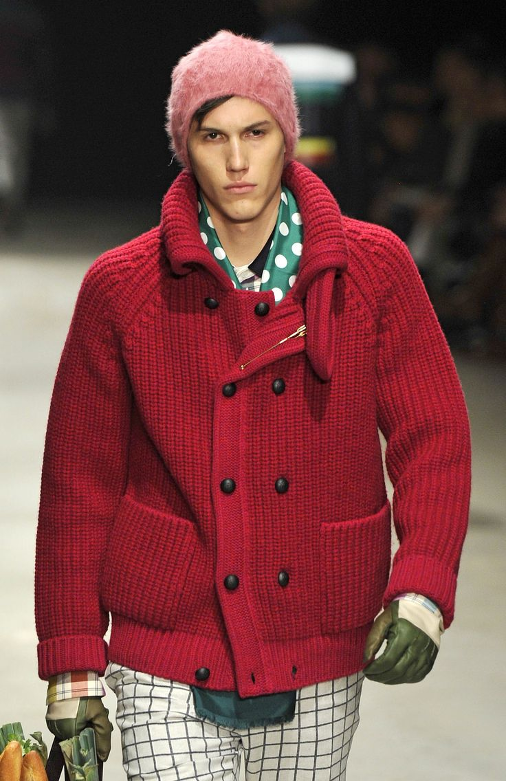 Andrea Pompillo FW13/14 - Milan Men's Fashion Week; chunky textured fire-red cardigan