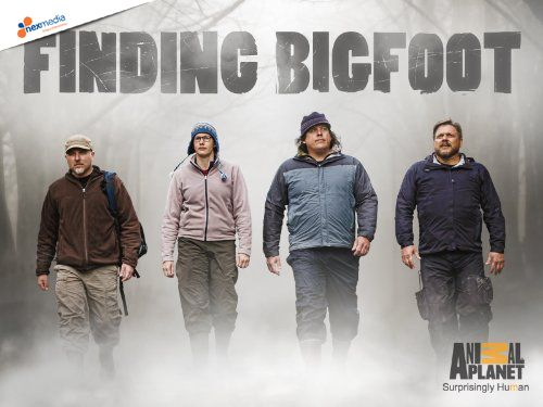 """Finding Bigfoot (Season 3)"" Kisah sebuah team yg kembali ke Barat Laut samudra Pasifik utk memastikan posisi negara squatchiest di Amerika"