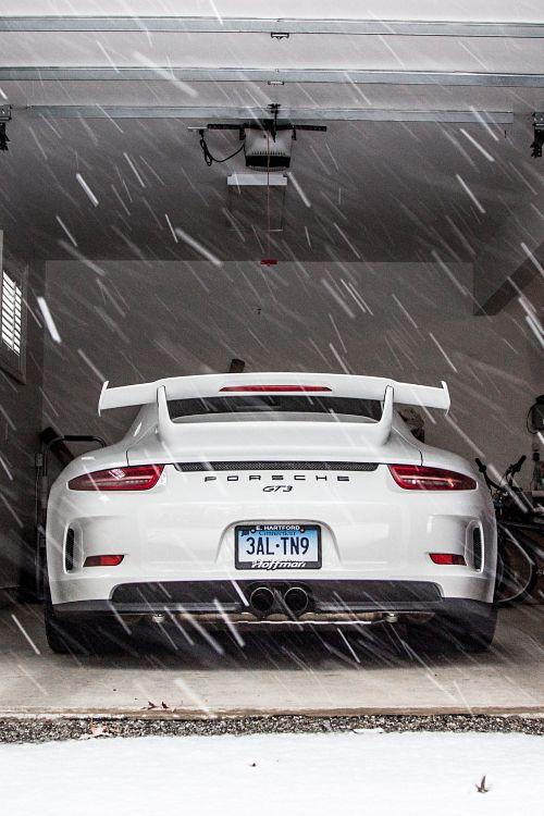 supercars-photography:  Porsche GT3 (via) Supercars Photography