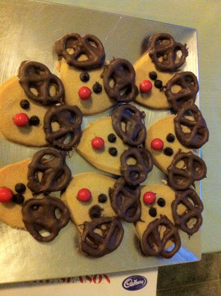 Red nose reindeer cookies
