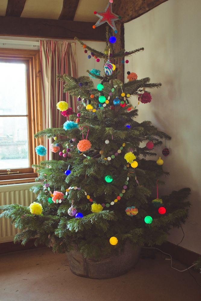 Merry and bright christmas tree Seedsu0026Stitches 93