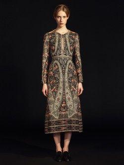 VILSHENKO / ROBE EN SOIE KITTY Disponible sur : http://www.bymarie.com/marques/vilshenko.html #vilshenko #vetement #soie #silk #folk #folklore #fashion #mode #paris #marseille #sainttropez #chic #bymariestore
