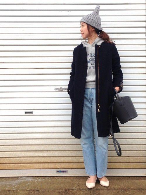 こんばんは〜‼️ 寒いっ!! 雪降りましたね☃️ フードを外してノーカラーコートにして着てみました!