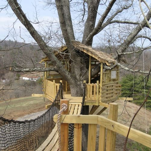 Custom tree house design tree house plans tree houses for Tree house ideas plans