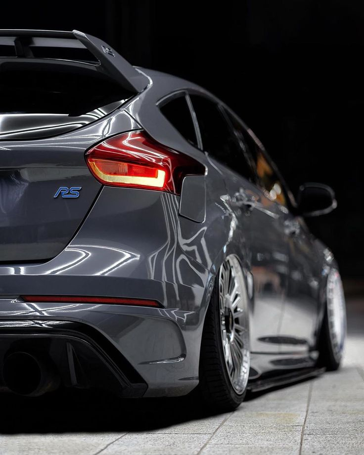 Mi Piace 1 343 Commenti 22 Tj 20 W Bagged Focus Rs Mk3 Tj Su Instagram Class Night Shooting The Last Shoot Ford Focus Ford Focus St Stance Cars