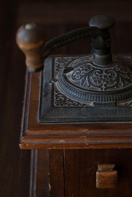 ○ vintage coffee grinder