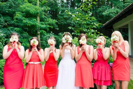 wedding details, soft ping, wedding colours, wedding invitations, love, wedding box, love, rings, rings shoot, ślub, sesja ślubna, judyta marcol fotografia, fotograf na slub, dodatki ślubne, para młoda, pastelowe, pastelowy ślub, kolory na ślubie, koralowy ślub, pudełko na ślub, obrączki, detale ślubne, brides, maid of honor, druhny, sukienki dla druhen