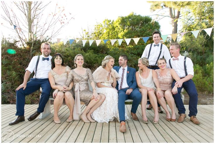 Wedding party photos. Groom and groomsmen, Bride and bridesmaids. Wedding party outfits, inspiration. ZaraZoo Photography