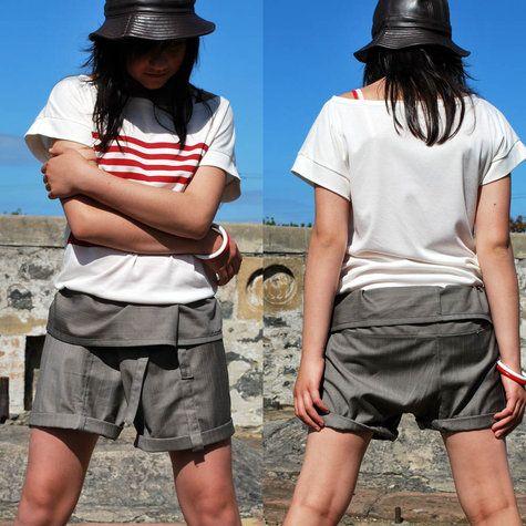 Fisherman Pants. Den schnitt von meiner Jeans Shorts, nur breiter und höher, oben den gelben Ledergürtel verwenden. Dazu ne weiße bluse?