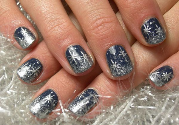 Snowflake nail art for short nails