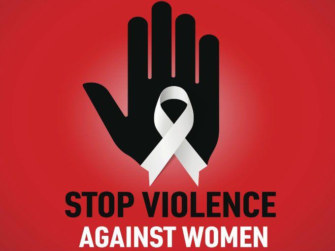 """SÍ a una vida libre de violencia: """"Atentamente las mujeres"""". Así finalizó su discurso la secretaria de Desarrollo Social, Rosario Robles, quien aseguró que la autonomía económica de la mujer es ESENCIAL para terminar con la violencia que sufren a diario."""