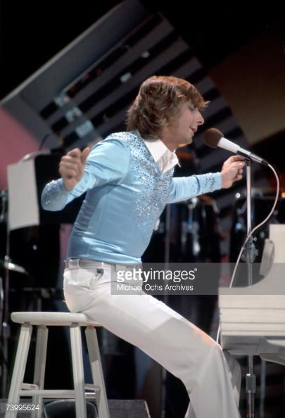 Barry Manilow On 'The Midnight Special' TV Show