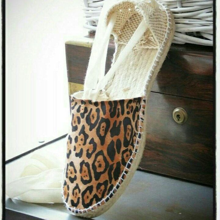 Animal print espadrilles for girls. Hand made in Spain. Mumishoes