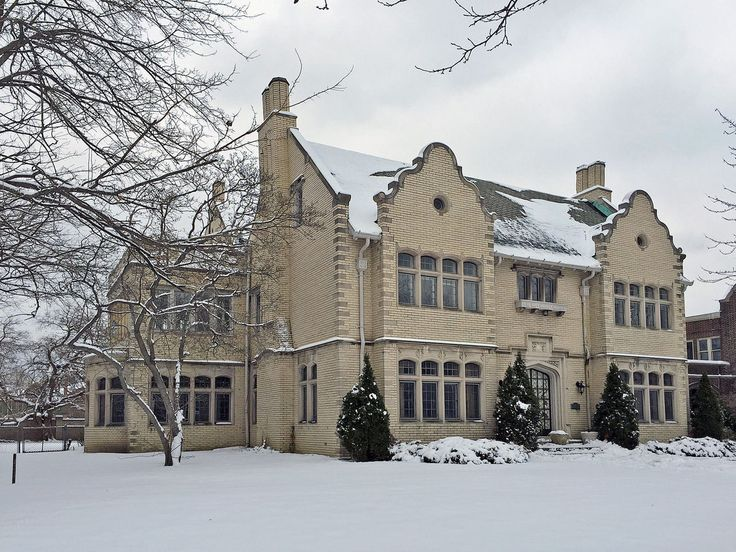 Explore the Faded Luxury of Detroit's $500K