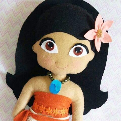 #boanoite Ela é linda, encantadora... Moana . . . #vitrinedefofuras #moana #partymoana #filmemoana #moana #princesamoana #princesadisney #polynesian #polinesia #polynesia #cinema #arte #feltro #felting #instafelt #festademenina #maefesteira #maedemenina #maedeprincesa #festamoana #morenailuminada #morena #amofesta #decoraçao #boneca #bonecamoana