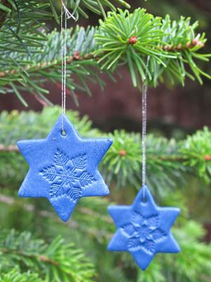 Star with snowflake - Christmas gift tag and ornament