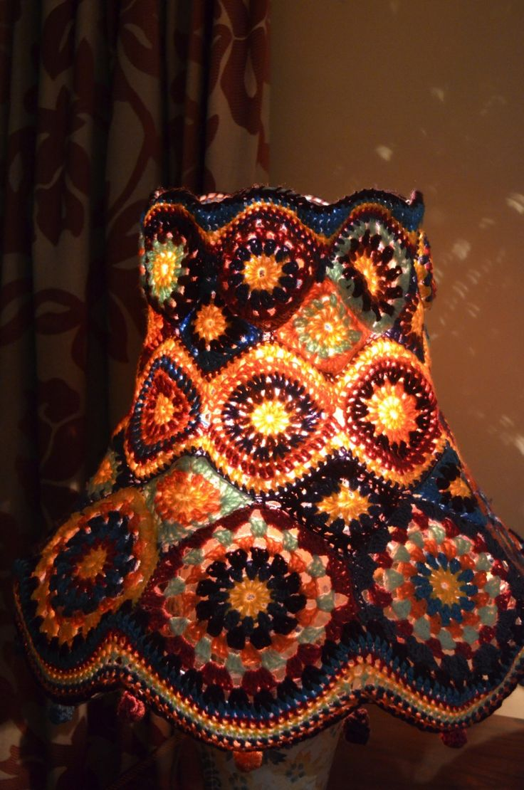Stained Glass Crochet Lamp                                                                                                                                                                                 Más