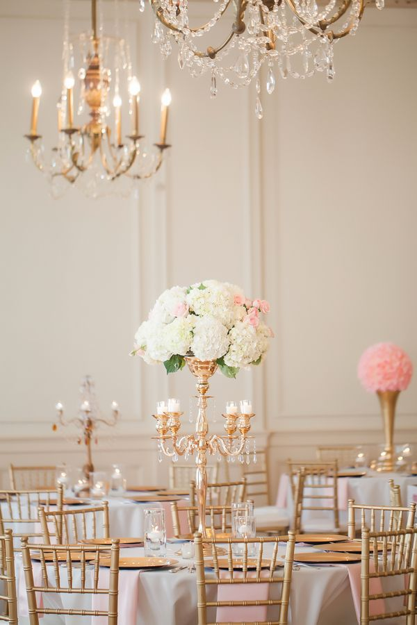 White and gold floral centerpieces for wedding reception | Charlotte NC, Charlotte NC wedding, Hotel Concord, Hotel wedding, classic, mint and pink | Photographer @caseyhphotos Florals @chelish