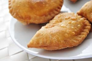 Mini Fried Gluten Free Pies Recipe: Sweet or Savory (Dairy-Free, and Sugar-Free, if desire): http://glutenfreerecipebox.com/mini-fried-gluten-free-pies/ #glutenfree