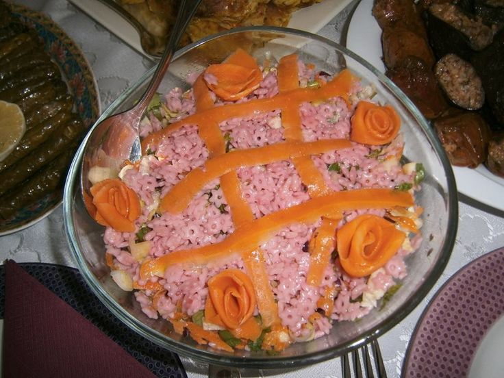 pembe şehriyeli salatam