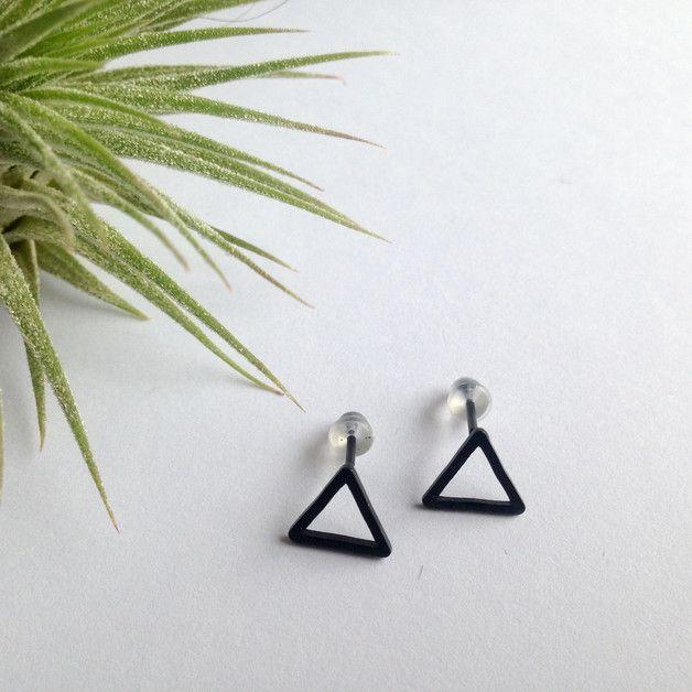 Oorknopjes - Open driehoek oorbellen // zwart - Een uniek product van MrSnorr op DaWanda