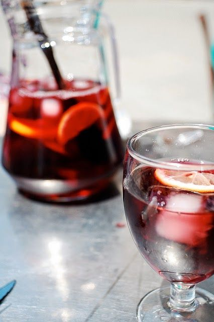 EASY Star-Spangled Sangria ~ Alcohol-free recipe :: #holiday #drinks