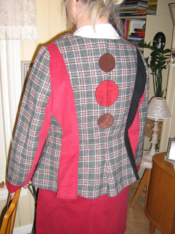 This jacket I have made from a very old wooldress. The red material is new. The black is from a skirt. I also made a skirt that matches.