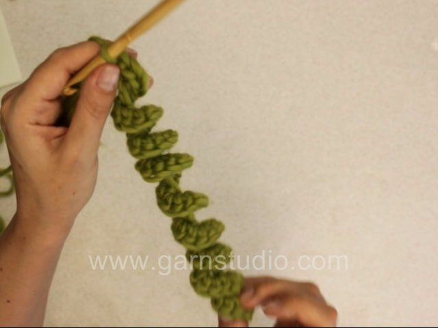Crochet cork screw by Garnstudio Drops design. This is a really fun and easy way of making cute crochet decorations.