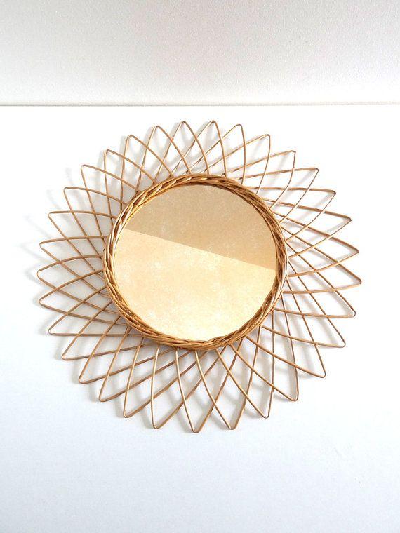 Miroir en rotin vintage forme soleil années 50 par BrocAndPop